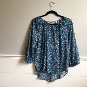 Cool, sheer LC blouse